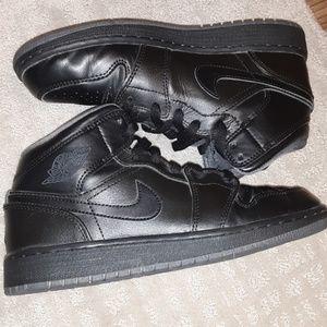 "Air Jordan 1 ""All Black"" Youth"